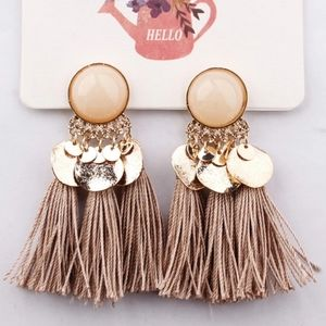 🆕Bohemian Beige Tassel Fringe Earrings